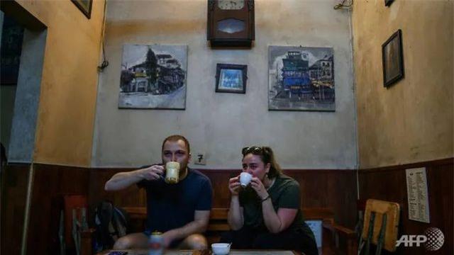 L'AFP loue le célèbre café à l