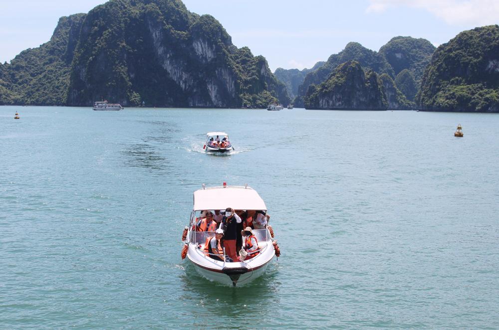 Fête des rois Hung : afflux de touristes en baie d