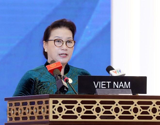 La présidente de l'AN Nguyen Thi Kim Ngan à la séance plénière de l