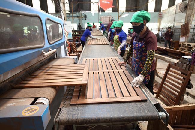 Hausse spectaculaire des exportations nationales de bois et d'ameublement aux Etats-Unis
