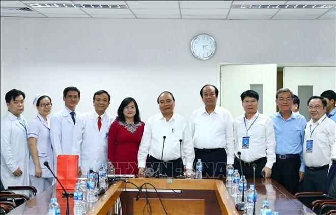 Le Premier ministre se rend à la Polyclinique de Dong Nai
