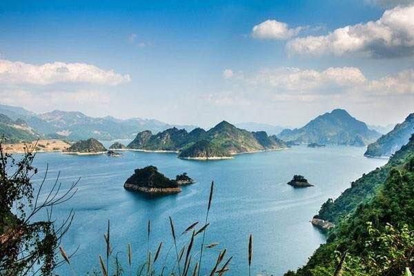Lancement d'un concours de photos sur la beauté du lac de Hoa Binh