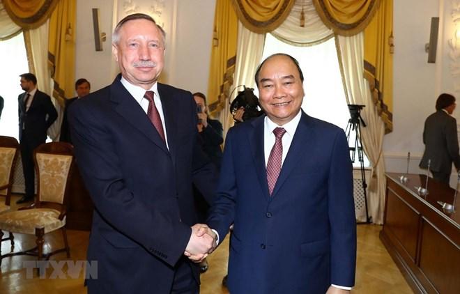 Le Premier ministre Nguyen Xuan Phuc visite Saint-Pétersbourg