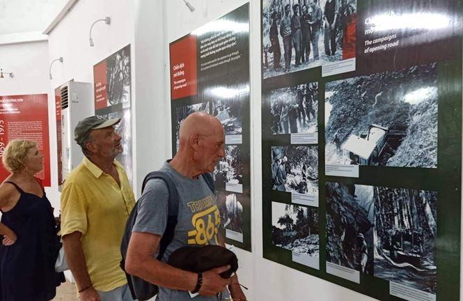 Affichage de 300 objets et images sur Truong Son
