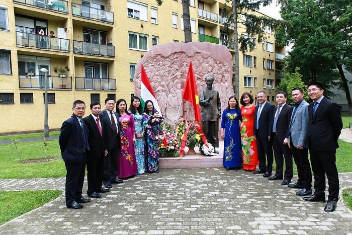 Statue du Président Ho Chi Minh à Zalaegerszeg: un symbole de l'amitié vietnamo-hongroise