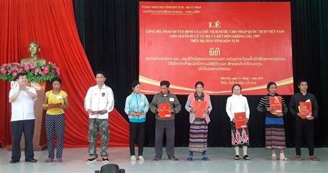 Kon Tum: accès de plusieurs Laotiens à la nationalité vietnamienne