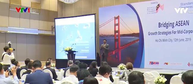 100 entreprises au colloque de connexion commerciale de l'ASEAN
