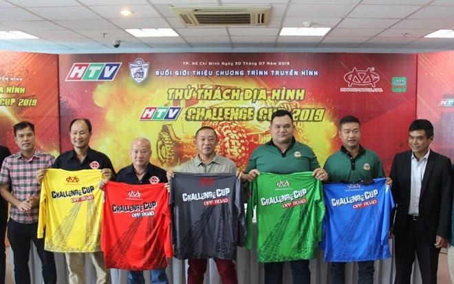 69 équipes en lice pour la plus grande course de voitures tout-terrain du Vietnam