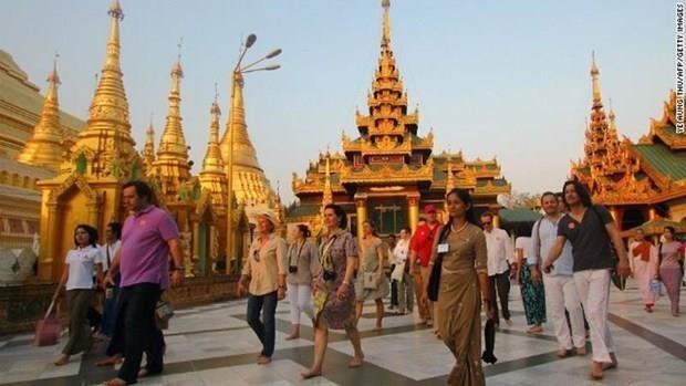 Le Myanmar continue d'assouplir sa politique de visa pour les touristes étrangers