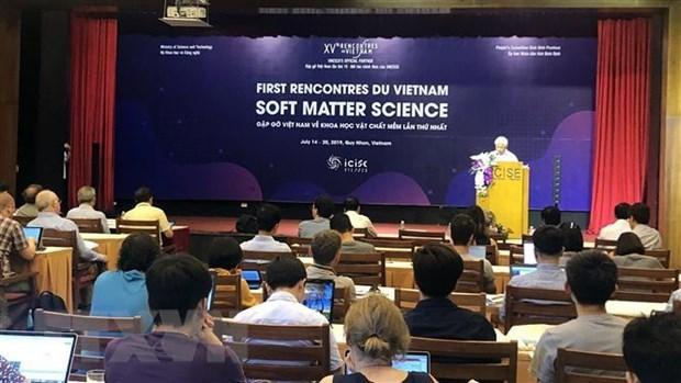 Conférence sur la matière molle à Binh Dinh