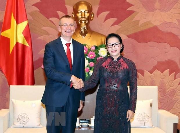 La présidente de l'AN reçoit le ministre des Affaires étrangères de Lettonie