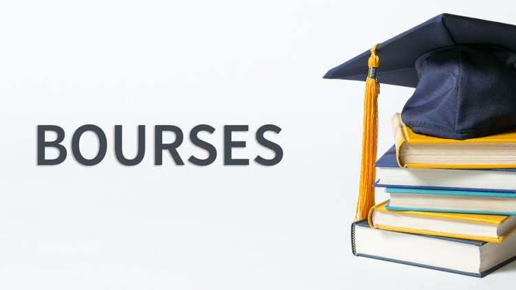 Des bourses d'études américaines pour les élèves et étudiants de Thua Thien-Hue