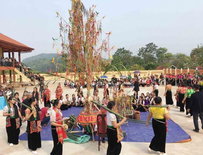 La région du Nord-Ouest organise un festival ethnique