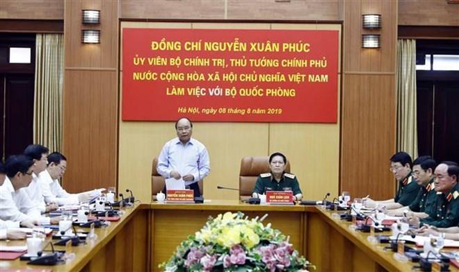 Le PM souligne l'édification économique et la défense nationale