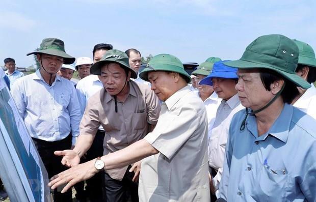 Le PM dirige la prévention des glissements de terrain dans le delta du Mékong