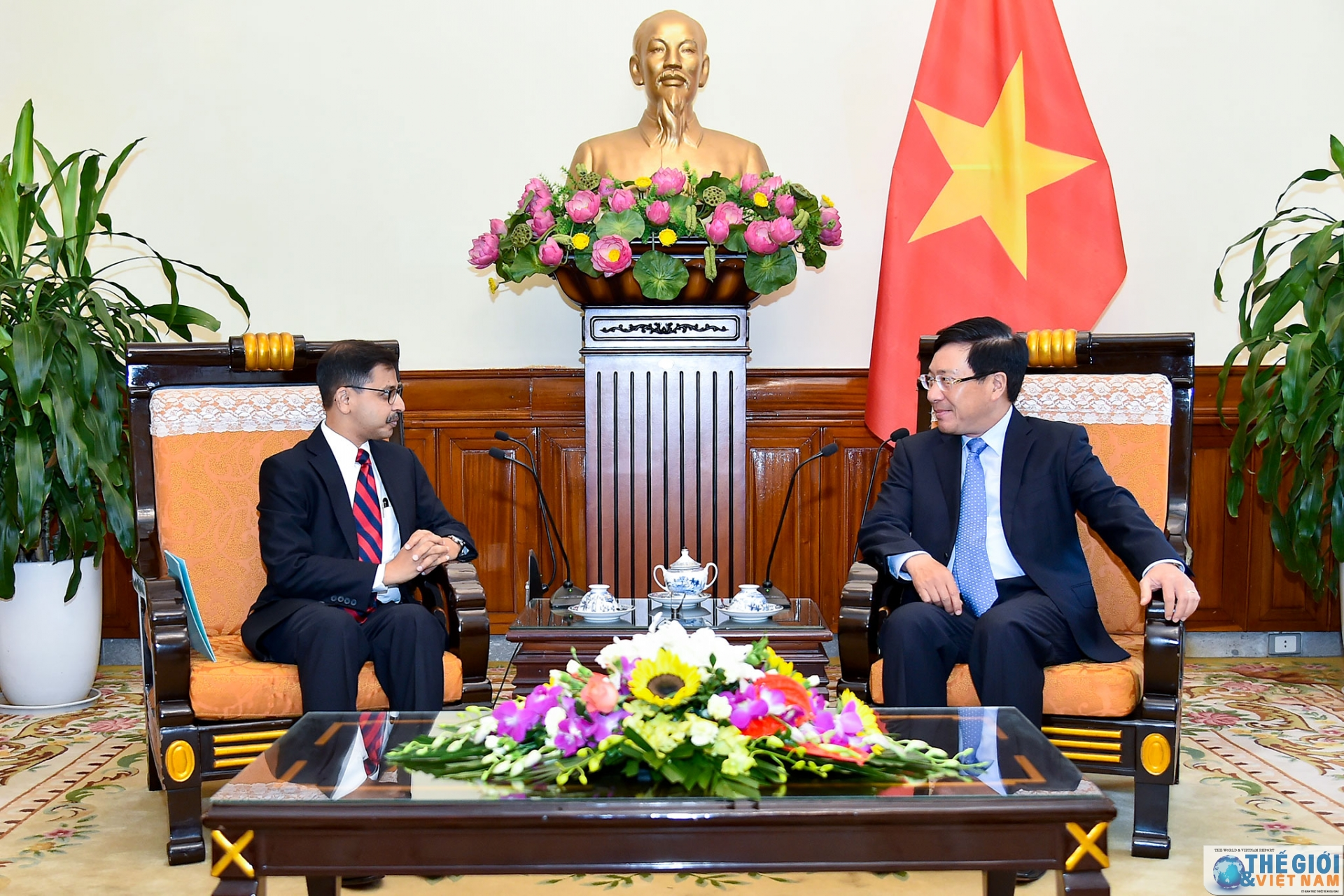 Le vice-PM Pham Binh Minh reçoit le nouvel ambassadeur d'Inde