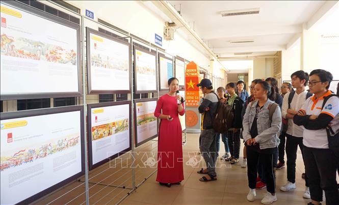 HCM-V: Exposition de cartes et documents sur Hoàng Sa et Truong Sa
