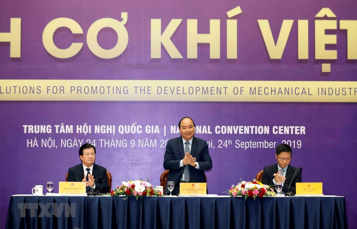 Le PM préside une conférence sur des solutions visant à promouvoir la mécanique