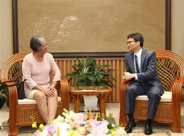 Le vice-PM Vu Duc Dam reçoit la ministre cubaine du Travail et de la Sécurité sociale