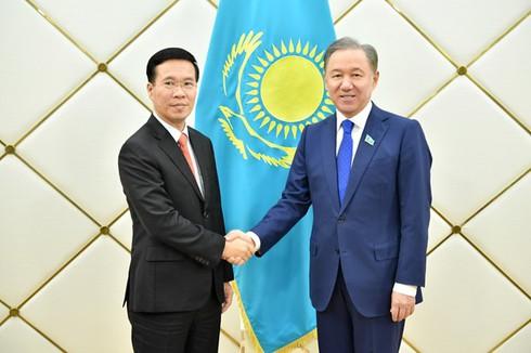 Une délégation du Parti communiste du Vietnam en visite de travail au Kazakhstan
