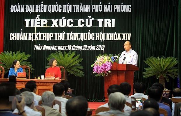 Le PM Nguyen Xuan Phuc rencontre des électeurs du district de Thuy Nguyen