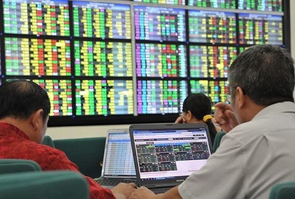 Bourse: près de 1.100 investisseurs étrangers ouvrent des comptes au 3e trimestre