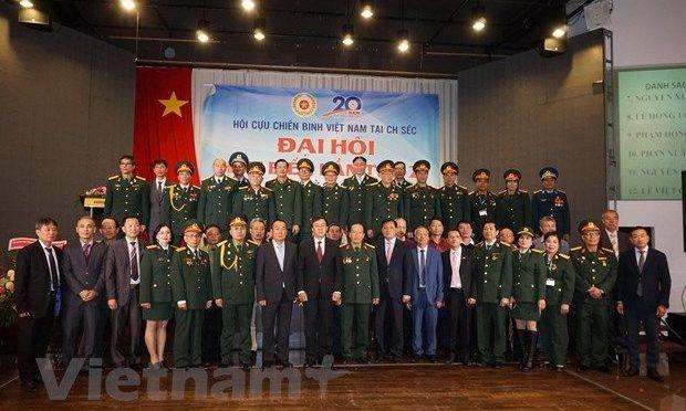"R. tchèque: Les anciens soldats vietnamiens valorisent les grandes qualités des ""Soldats de l"
