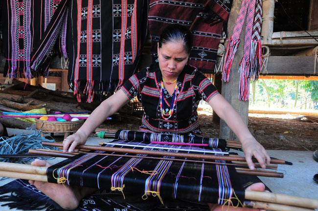À la découverte du tissage «zèng» de l'ethnie Ta Oi