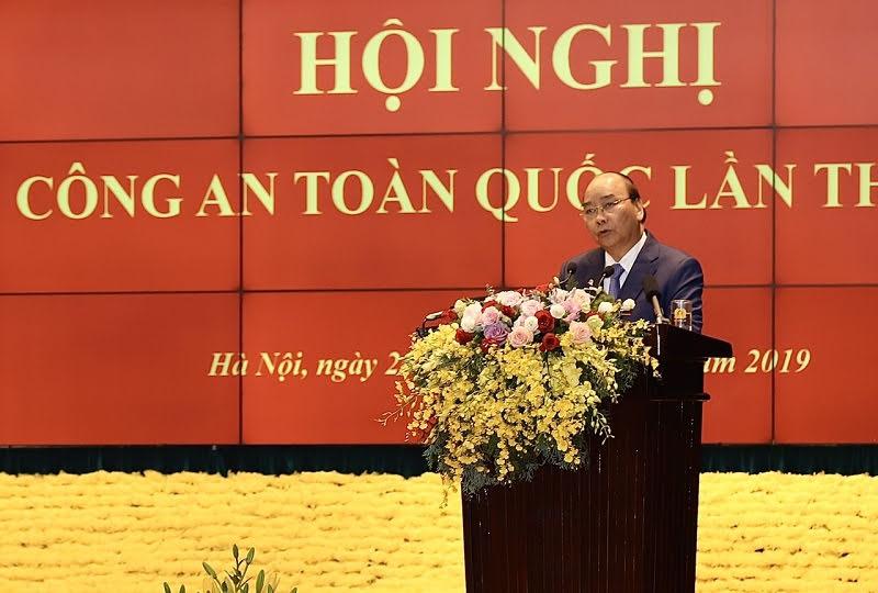 Le PM souligne le rôle important des forces de sécurité publique