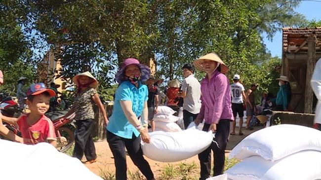 Têt du Rat 2020: des milliers de tonnes de riz en faveur des habitants démunis