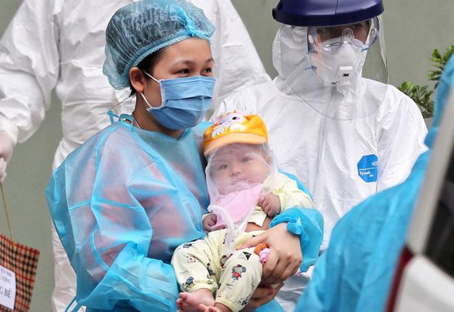 Le bébé de trois mois infecté par le COVID-19 quitte l'hôpital