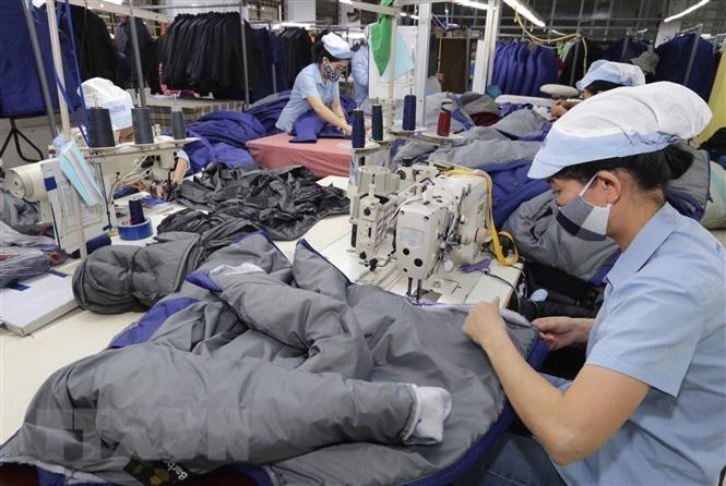 Le COVID-19 complique l'approvisionnement en matières premières des industries nationales du textile et de la chaussure