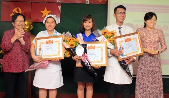 Remise des prix Pham Ngoc Thach à 28 jeunes médecins