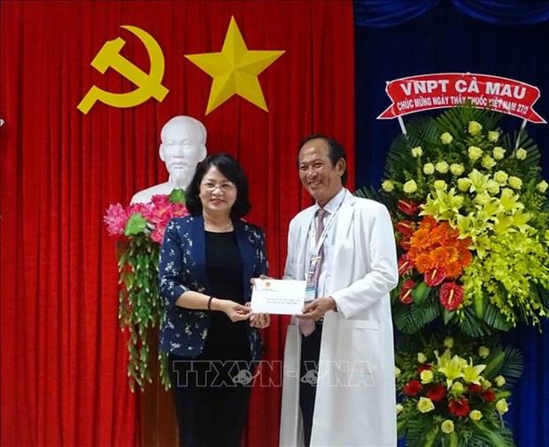 La vice-présidente Dang Thi Ngoc Thinh visite la province de Ca Mau