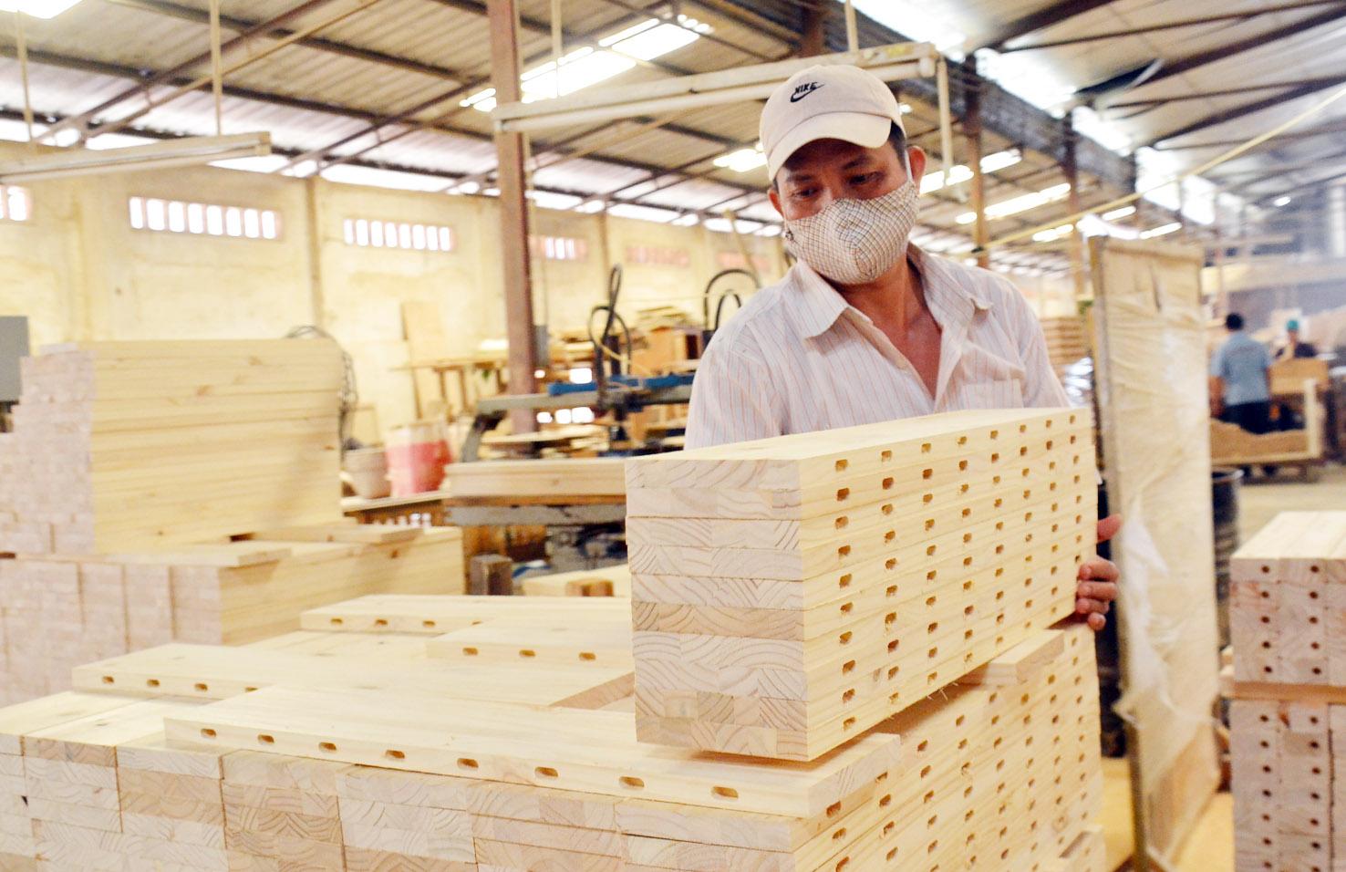 Exportations de bois: un milliard de dollars en janvier