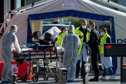 COVID-19 : la France dépasse la barre des 3.000 décès à l