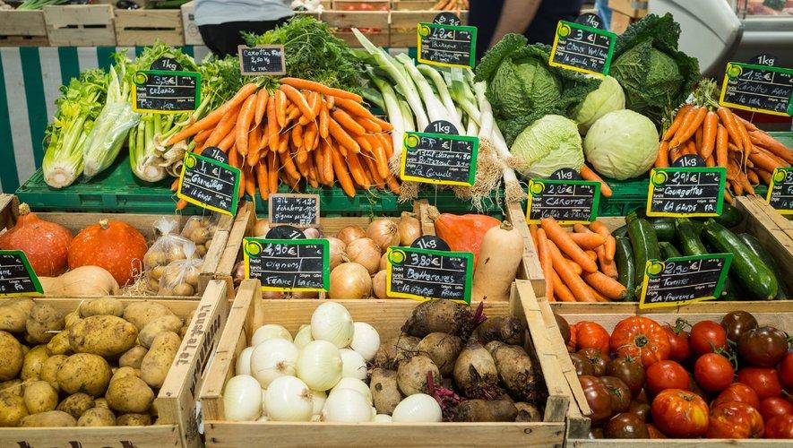 COVID-19 : un quart des marchés alimentaires vont rouvrir en France