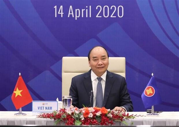 Le PM annonce des résultats des sommets de l'ASEAN et de l'ASEAN+3 sur la réponse au COVID-19