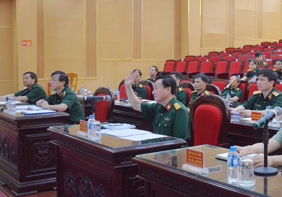 Médecine militaire: Vietnam et Chine partagent des expériences dans la lutte anti-COVID-19
