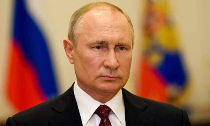 Le président russe appelle à renforcer les efforts pour lutter contre le chômage
