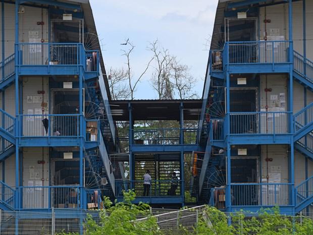COVID-19 : Singapour construira des logements pour 60.000 travailleurs migrants