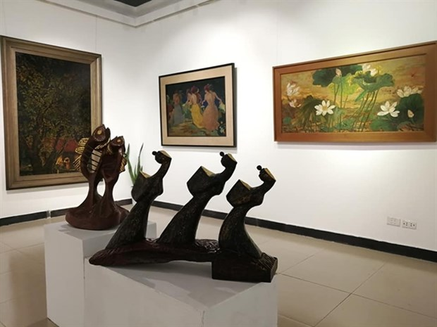 Une exposition rend hommage à la peinture traditionnelle à la laque