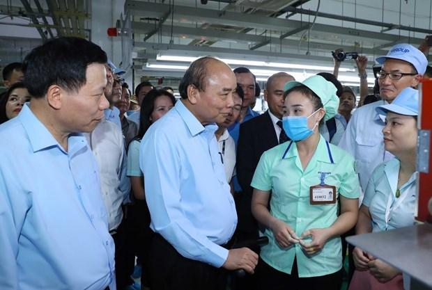 Le Premier ministre rend visite aux travailleurs de Bac Ninh