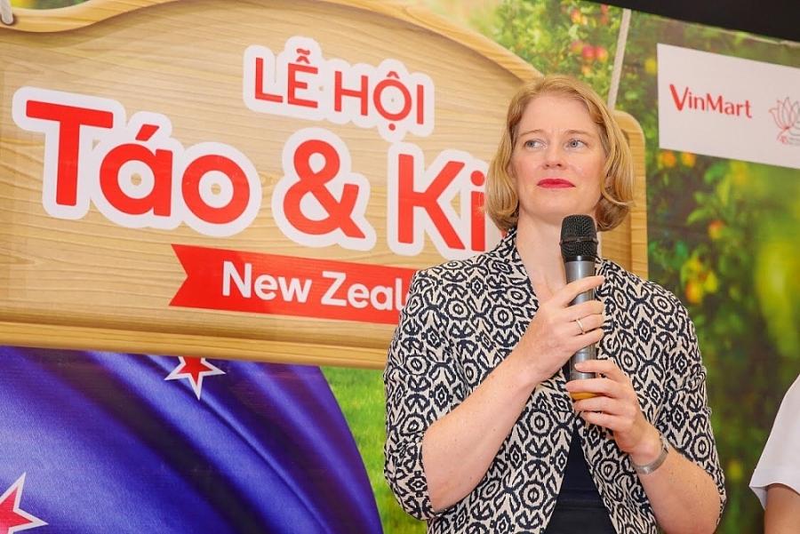 Promotion des pommes et kiwis de la Nouvelle-Zélande au Vietnam