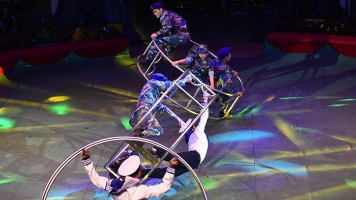 Un programme de cirque en l