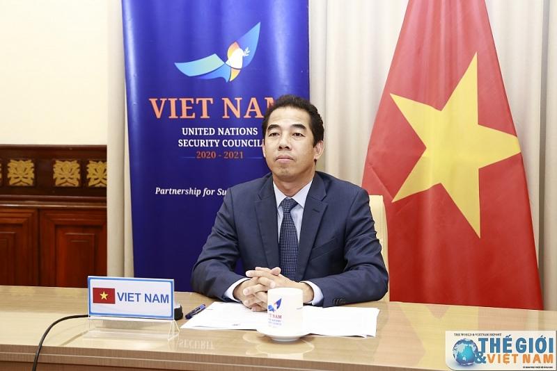 Le Vietnam souligne le renforcement de la coopération dans la lutte anti-COVID-19