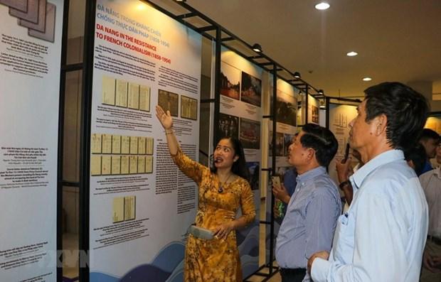 Exposition d'archives sur la ville urbaine maritime de Da Nang