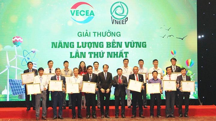 Le Vietnam honore les entreprises contribuant à renforcer l'efficience énergétique