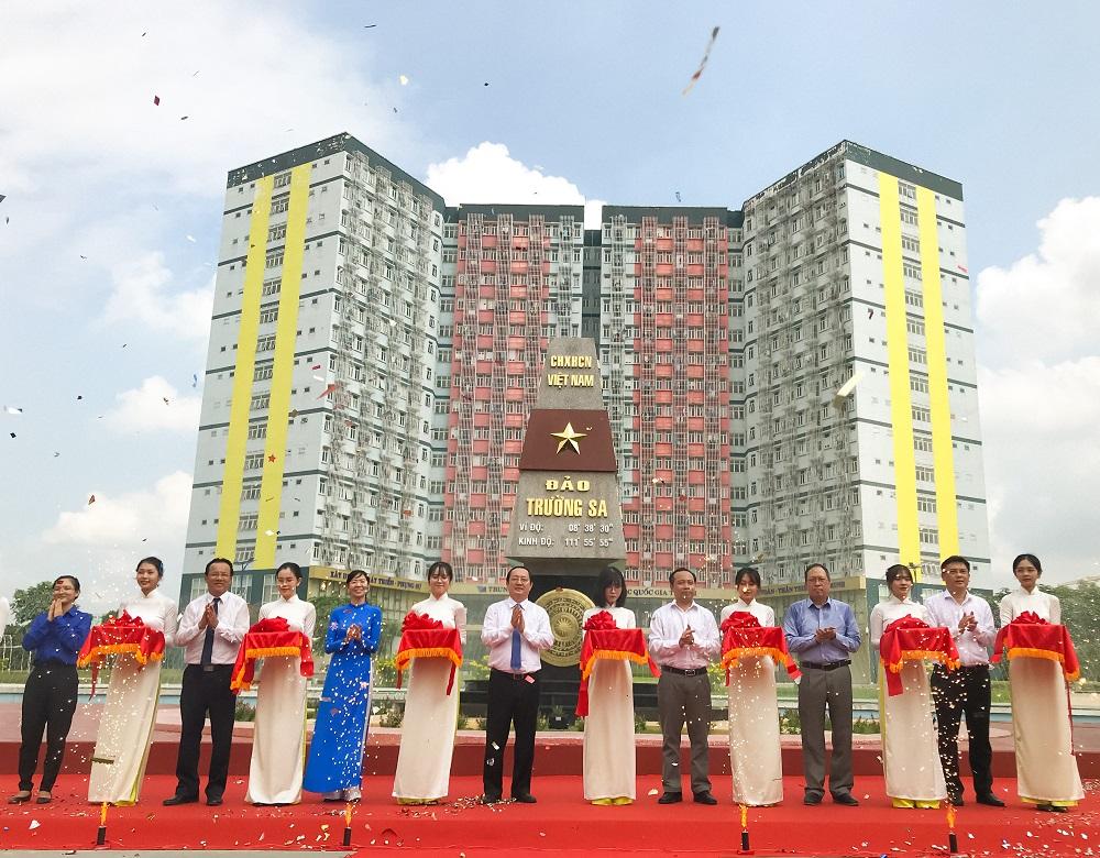 Inauguration de la Place du point de repère de la souveraineté sur l'archipel de Truong Sa