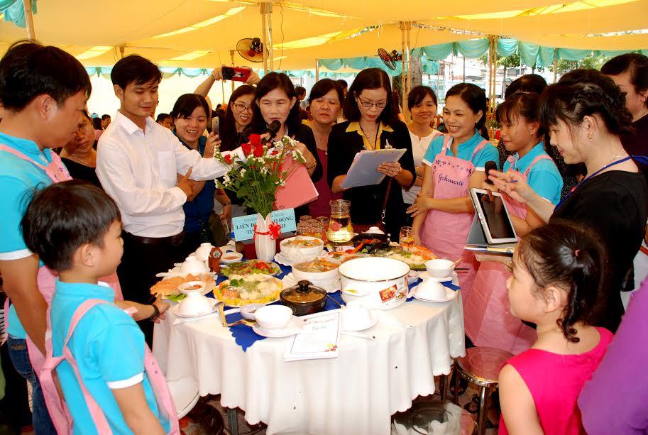 La Journée des familles exemplaires des provinces et villes du Sud-Ouest